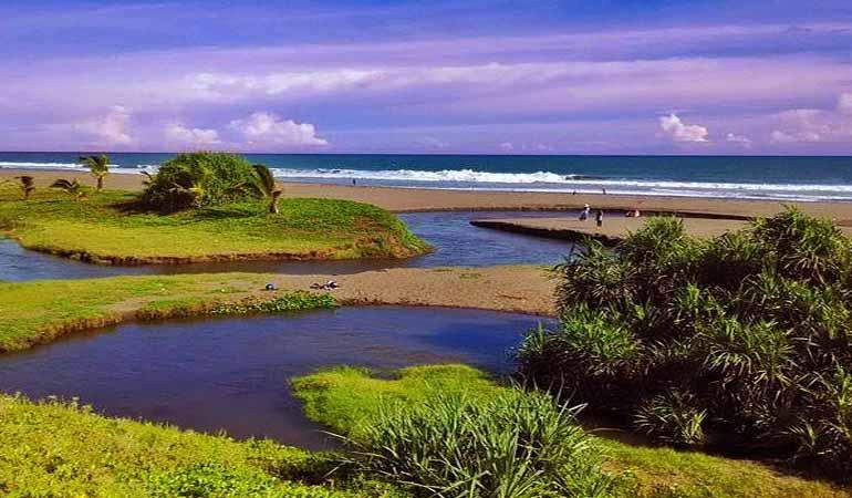 Destinasi Wisata Pantai Bopong